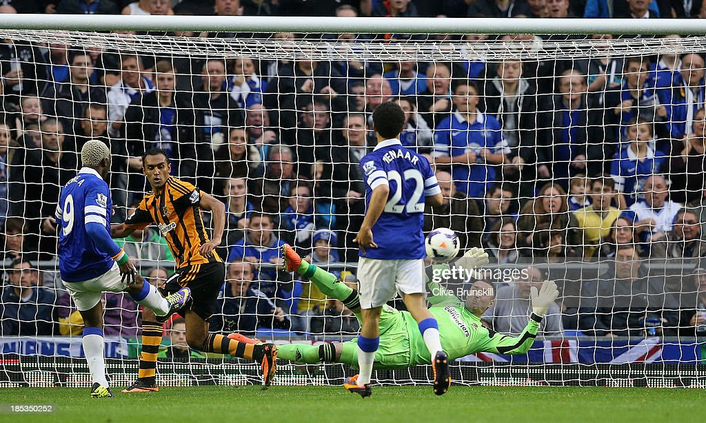 Arouna Kone of Everton misses a close range shot during the Barclays Premier League match between Everton and Hull City at Goodison Park on October 19, 2013 in Liverpool, England.