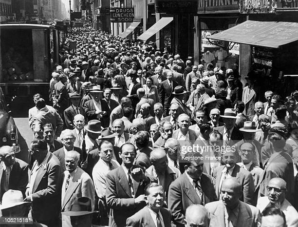 Around 1945 A Street In The Clothes Manufacturer Neighborhood In New York Was Invaded By Strikers After The End Of The Second World War Whereas The...