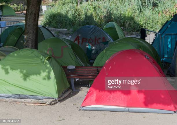 Around 500 migrants occupy the Square Daviais in the city center of Nantes since August 2018 under dramatic sanitary conditions for not having been...