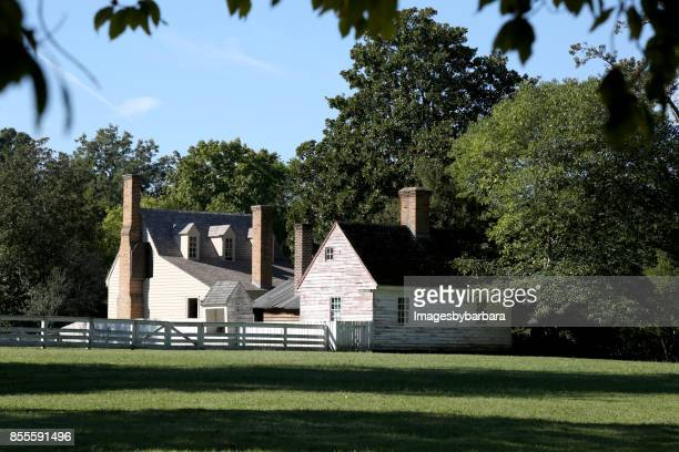 around colonial williamsburg - williamsburg virginia stock pictures, royalty-free photos & images