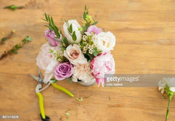 Arranged bouquet of table of florist