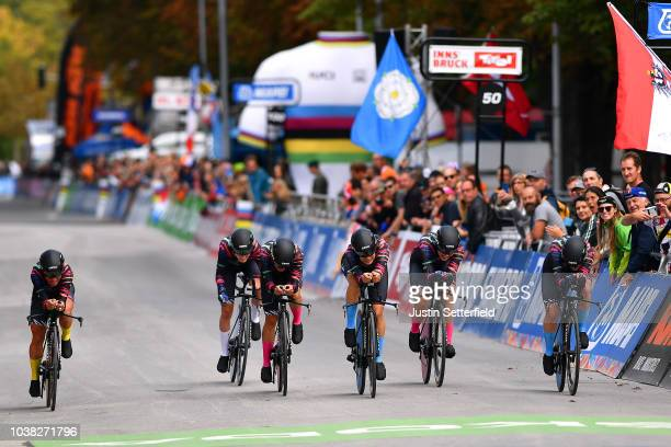Arrival / Alena Amaliusik of Belarus / Alice Barnes of Great Britain / Hannah Barnes of Great Britain / Elena Cecchini of Italy / Lisa Klein of...