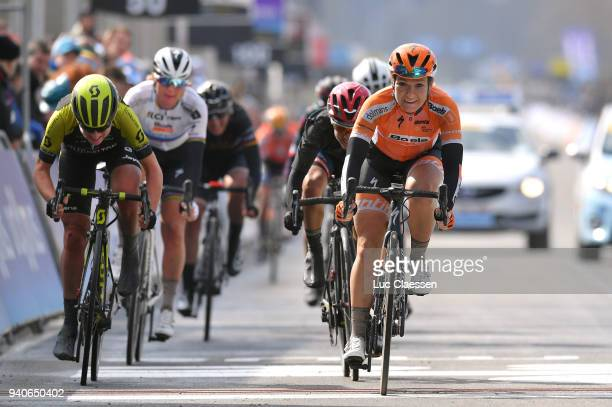 Arrival / Amy Pieters of The Netherlands and Boels - Dolmans Cycling Team / Annemiek Van Vleuten of The Netherlands and Team Mitchelton-Scott /...