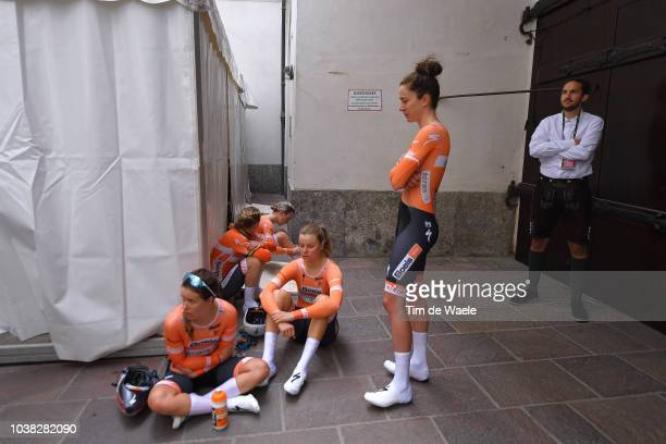 Arrival / Chantal Blaak of The Netherlands / Karol-Ann Canuel of Canada / Amalie Dideriksen of Denmark / Christine Majerus of Luxembourg / Amy...