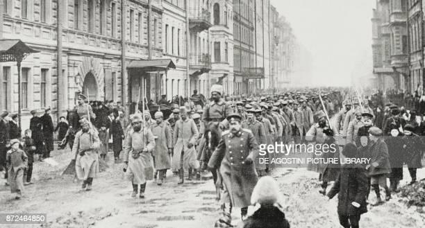 Arrival of German prisoners at Pietrograd Russia World War I from L'Illustrazione Italiana Year XLII No 21 May 23 1915