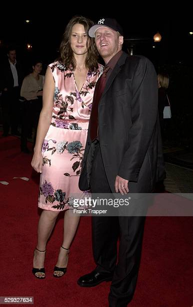 Arrival of Michael Rapaport with his wife