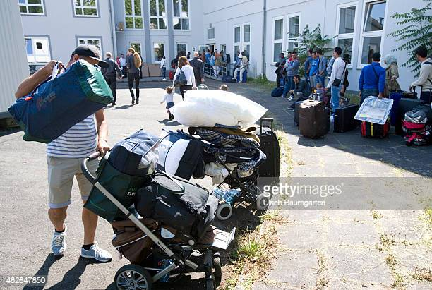 Arrival of refugees and asylum seekers in the Bonn Ermekeil barracks