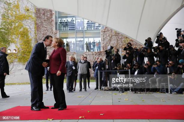 Arrival of Spanish Prime Minister Mariano Rajoy German Chancellor Angela Merkel welcomes the US President and four Heads of State and Government of...