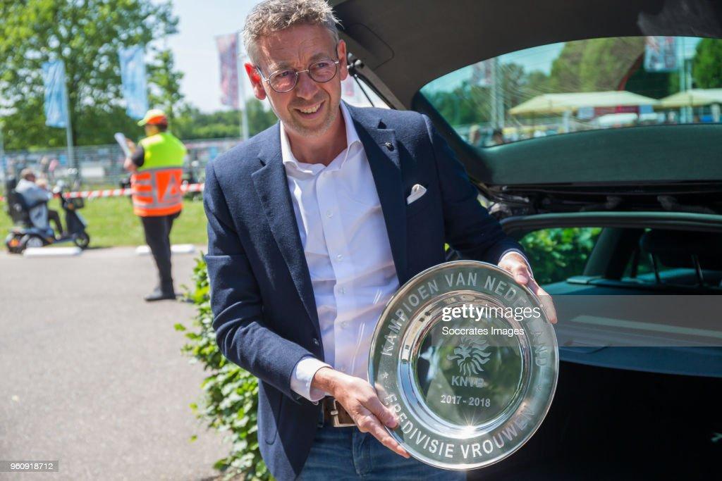 FC Twente v Ajax - Dutch Eredivisie Women