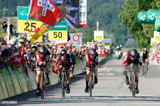 Arrival / Richie Porte of Australia / Simon Gerrans of Australia / Stefan Kung of Switzerlan / Alessandro De Marchi of Italy / Michael Schar of...