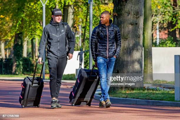 Arrival Rick van Drongelen of Holland U21 Denzel Dumfries of Holland U21 during the match between Arrival Holland U21 at the KNVB campus at the KNVB...