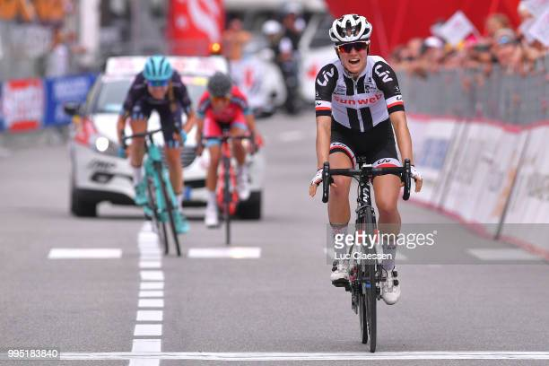 Arrival / Ruth Winder of The United States and Team Sunweb / Celebration / Tayler Wiles of The United States and Team Trek - Drops / Alice Maria...