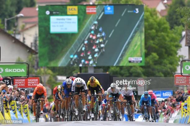 Arrival / Sprint / Edvald Boasson Hagen of Norway and Team Dimension Data / Philippe Gilbert of Belgium and Team Deceuninck-QuickStep / Nils Politt...