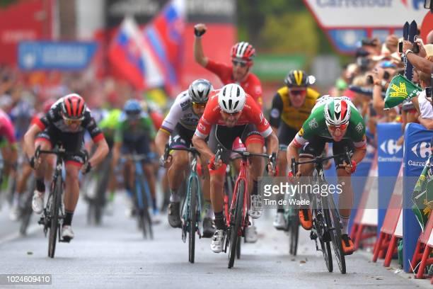 Arrival / Sprint / Peter Sagan of Slovakia and Team Bora - Hansgrohe / Giacomo Nizzolo of Italy and Team Trek Segafredo / Elia Viviani of Italy and...