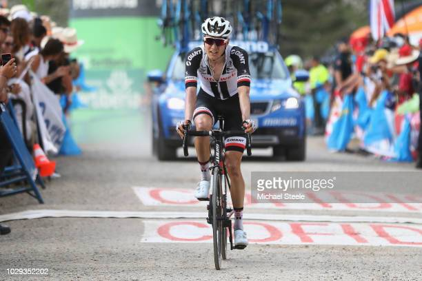 [img]https://media.gettyimages.com/photos/arrival-wilco-kelderman-of-the-netherlands-and-team-sunweb-during-the-picture-id1029352202?s=612x612[/img]