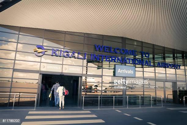 ルワンダのキガリ国際空港に到着 - キガリ ストックフォトと画像