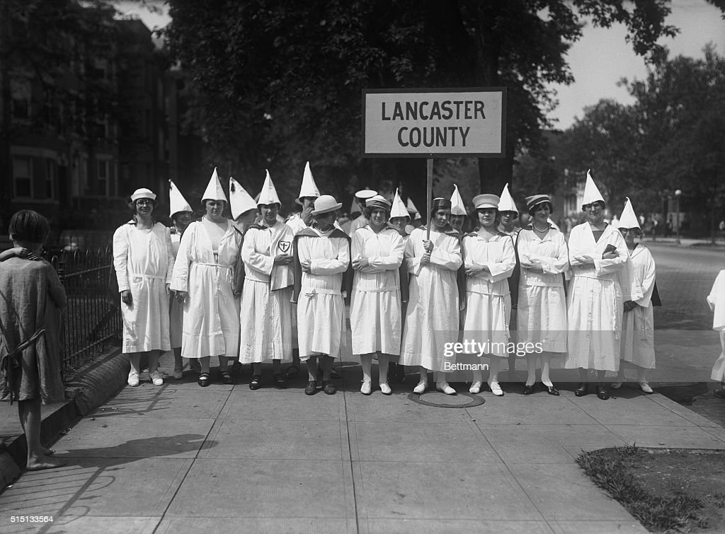Female Klan Members Arriving in Washington : News Photo