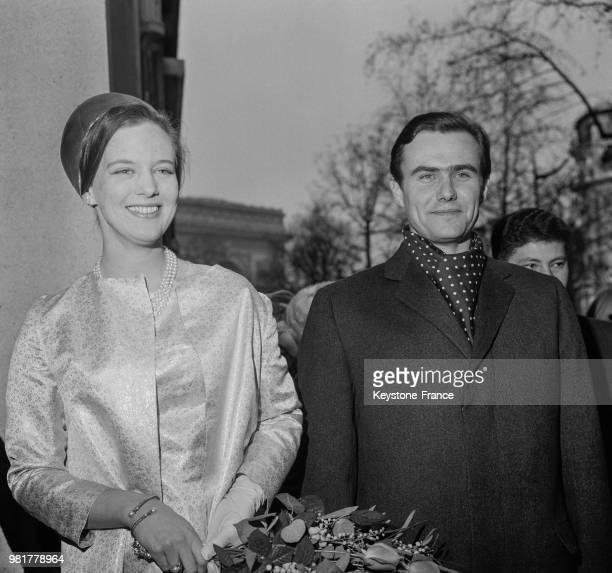 Arrivée de la princesse Margrethe de Danemark et de son fiancé le comte Henri de Laborde de Monpezat à l'inauguration de la nouvelle ambassade du...