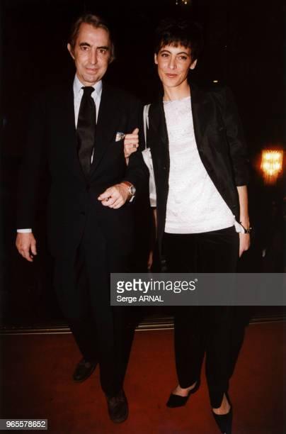 Arrivée de Luigi d'Urso et Inès de La Fressange le 20 octobre 1998 à Paris, France.