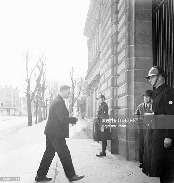 Arrivée du commissaire Joseph de La Porte du Theil à la Cour Suprême de Riom France en 1942