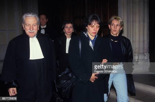 Arrivee de Christine Villemin avec ses avocats Mes HenriRene Garaud et MarieChristine Chastant pour sa comparution lors du proces de son epoux...