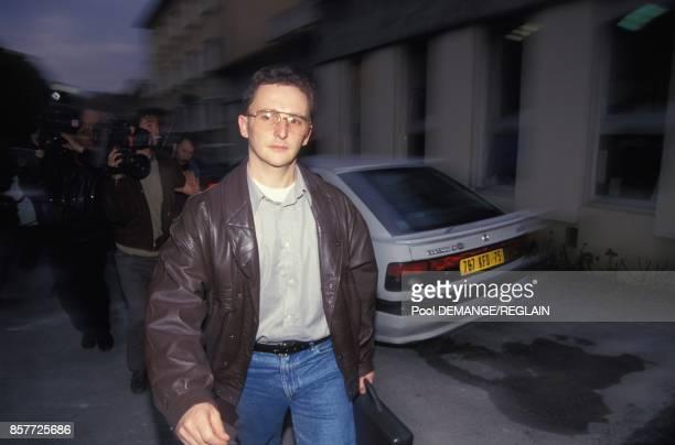 Arrivee de JeanMarie Villemin a la prison la veille de l'ouverture de son proces pour le meurtre de Bernard Laroche le 2 novembre 1993 a Dijon France