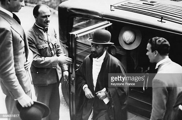 Arrivee de l'Empereur Haile Selassie a son hotel le 28 mai 1936 a Gibraltar