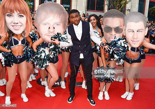 OMI arrives at the 2015 MuchMusic Video Awards at MuchMusic HQ on June 21 2015 in Toronto Canada