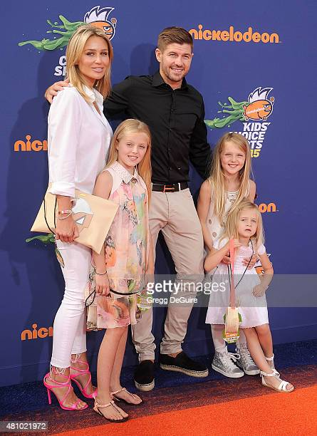 arrives at the Nickelodeon Kids' Choice Sports Awards 2015 at UCLA's Pauley Pavilion on July 16 2015 in Westwood California