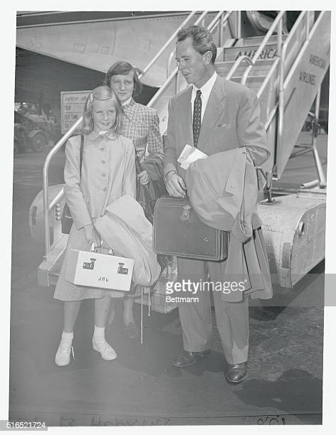 Arriving at La Guardia airport are Ingrid Bergman's ex-husband, Dr. Peter Lindstrom, their daughter, Pia and Ingrid's god-daughter, Kate Barrett.