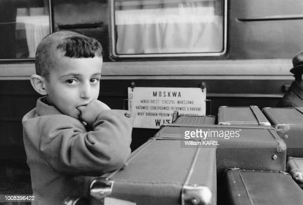 Arrivés à la gare de Vienne des émigrés juifs soviétiques en partance pour Israel le 3 octobre 1973 à Vienne Autriche