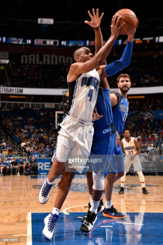 Arron Afflalo #4 of the Orlando Magic goes to the basket against the Dallas Mavericks during a preseason game on October 5, 2017 at Amway Center in Orlando, Florida.