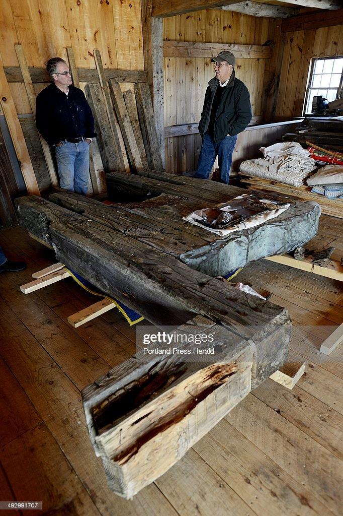 Arron Sturgis, left, of Preservation Timber Framing talks with Ron ...