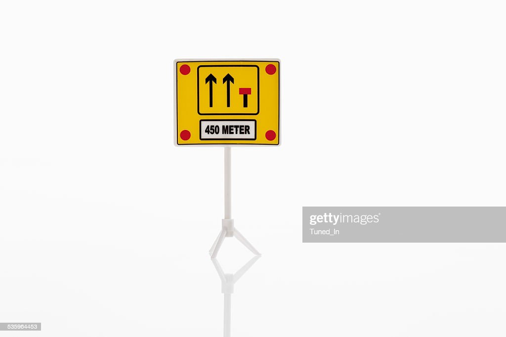 Arrow and dead end sign on white background : Stock Photo