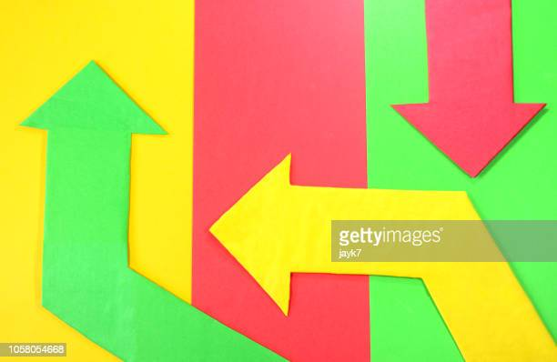 arrow signs - decisions imagens e fotografias de stock