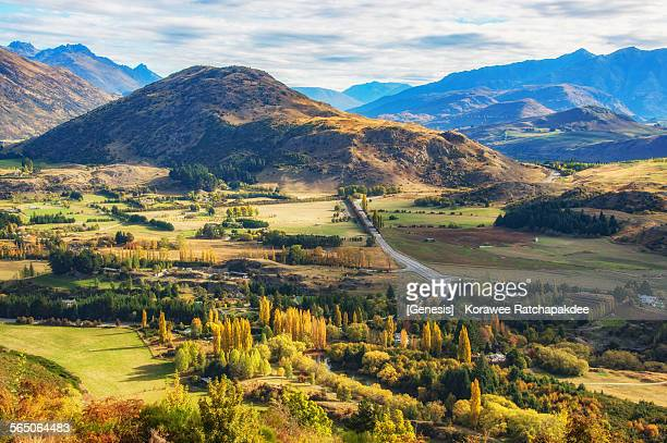 arrow town new zealand - arrowtown stock pictures, royalty-free photos & images