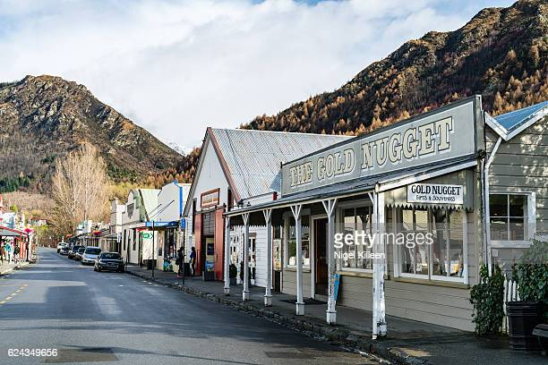 arrowtown, new zealand - town stock pictures, royalty-free photos & images