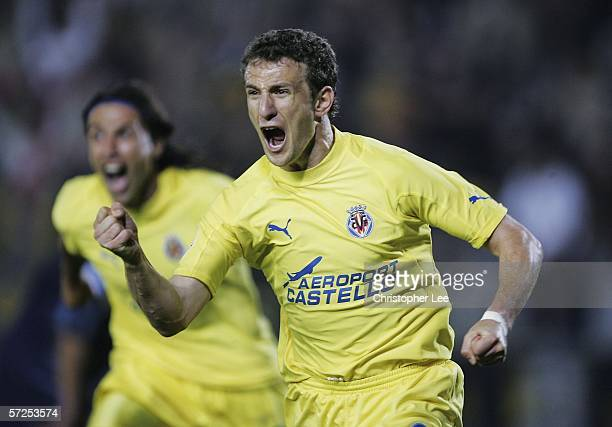 Arruabarrena of Villarreal celebrates scoring their winning goal during the Champions League Quarter Final Second Leg match between Villarreal and...