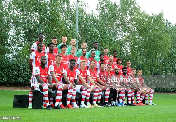 Arsenal 1st team squad 2021-22. Back Row Flo Balogun, Gabriel Martinelli, Karl Hein, Aaron Ramsdale, Bernd Leno, Arthur Okonkwo, Sead Kolasinac,...