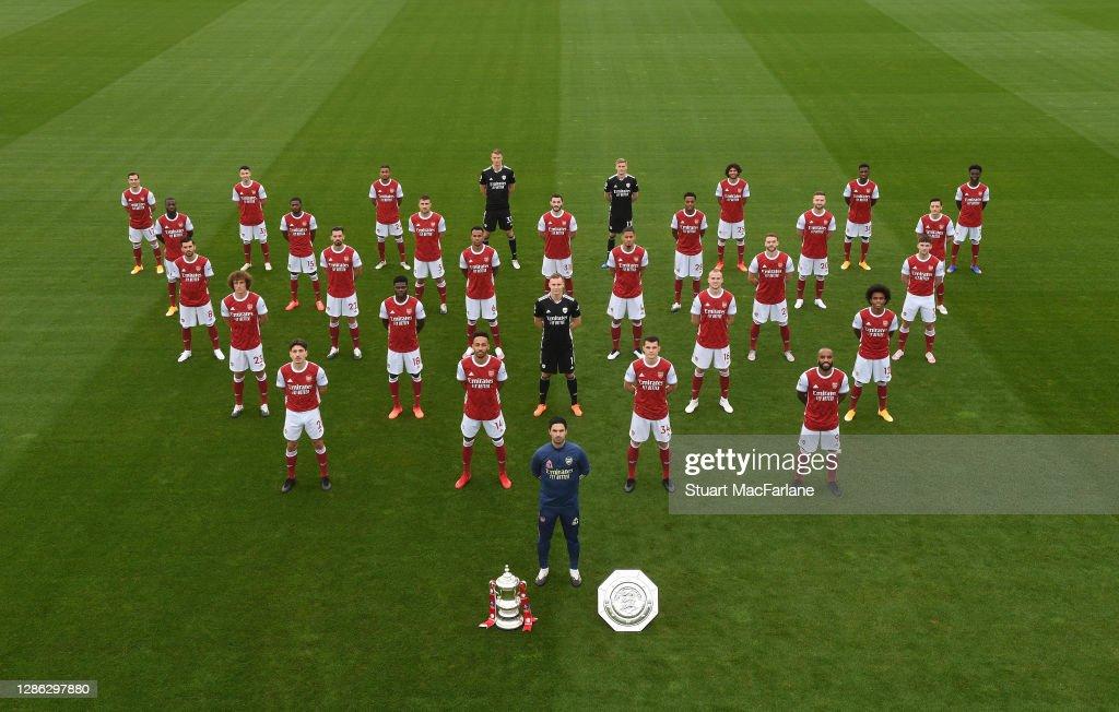 Arsenal 1st Team Squad Photo Season 2020/21 : News Photo