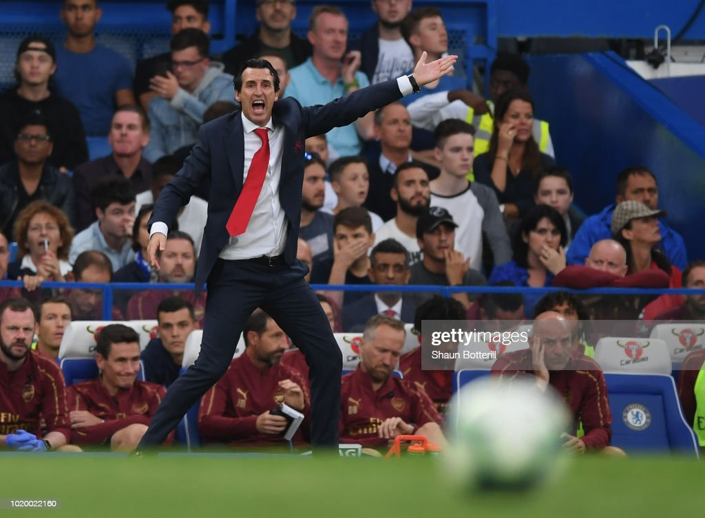Arsenal coach Unai Emery shouts instructions during the Premier League match between Chelsea FC and Arsenal FC at Stamford Bridge on August 18, 2018 in London, United Kingdom.