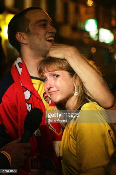 Arsenal fans look dejected after Arsenal lost to Barcelona in the Champions League final May 17 2006 in London Arsenal played Barcelona in the...