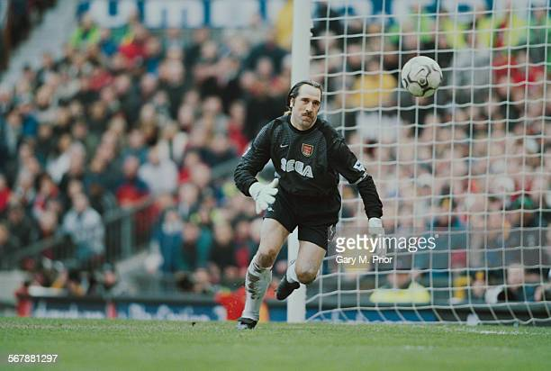 Arsenal FC goalkeeper David Seaman during a Premier League match against Manchester United FC at Old Trafford 25th February 2001 Manchester United...