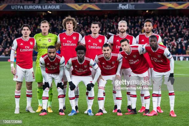 Arsenal FC pose for team photo from top left Héctor Bellerín Bernd Leno David Luiz Granit Xhaka Shkodran Mustafi PierreEmerick Aubameyang from bottom...