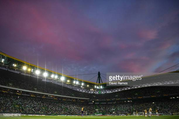 Arsenal FC warm up during the half time of the UEFA Europa League Group E match between Sporting CP and Arsenal at Estadio Jose Alvalade on October...