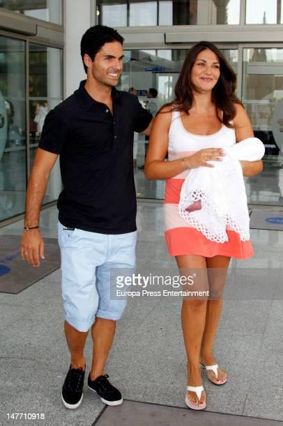 Arsenal footballplayer Mikel Arteta and model Lorena Bernal present their new baby born Daniel Arteta Bernal at Palmaplanas Cliniq on June 29 2012 in...