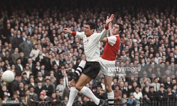 Arsenal forward Bobby Gould challenges Liverpool defender Ron Yeats during a First Divsion match which ended 11 at Highbury on August 17 1968 in...
