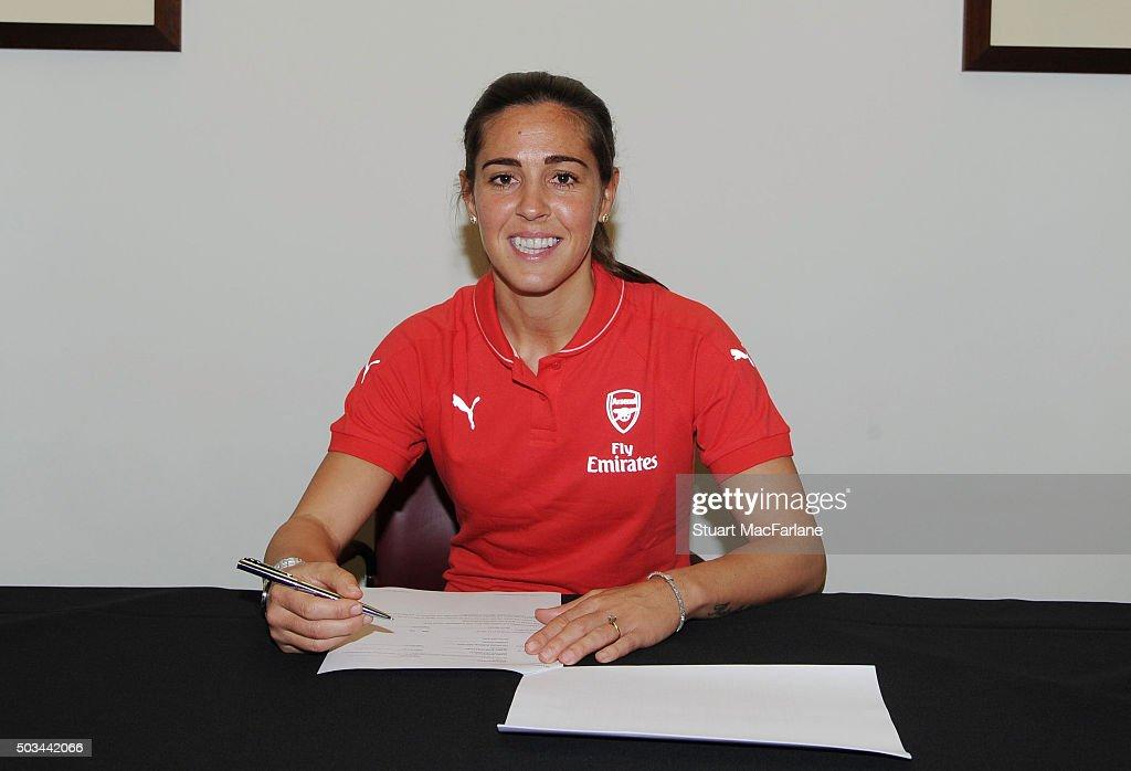 Arsenal Ladies Unveil New Signing Fara Williams : News Photo