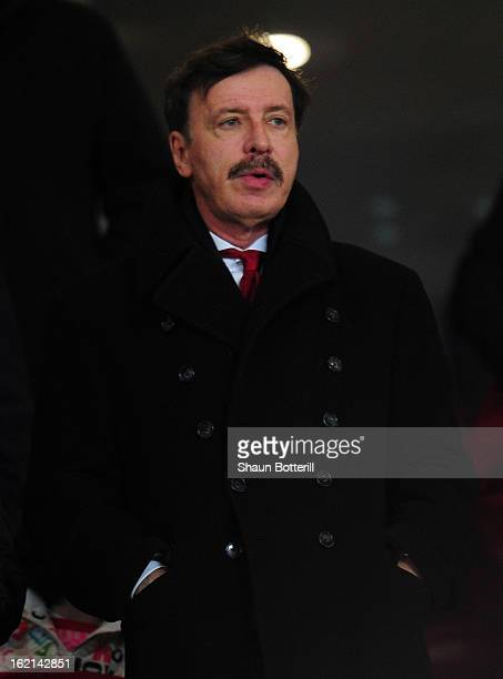 Arsenal majority shareholder Stan Kroenke looks on before the UEFA Champions League round of 16 first leg match between Arsenal and Bayern Muenchen...