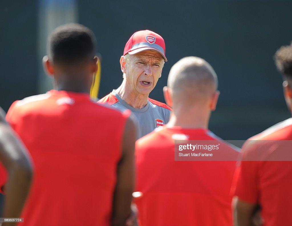 Arsenal Pre Season Tour : News Photo